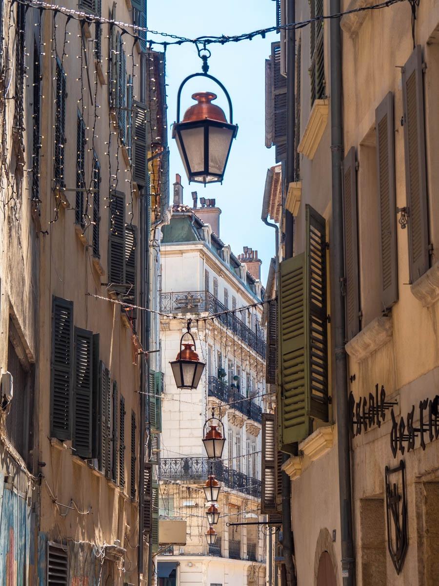 luminaires-à-Toulon_Dirk-Kohle.jpg