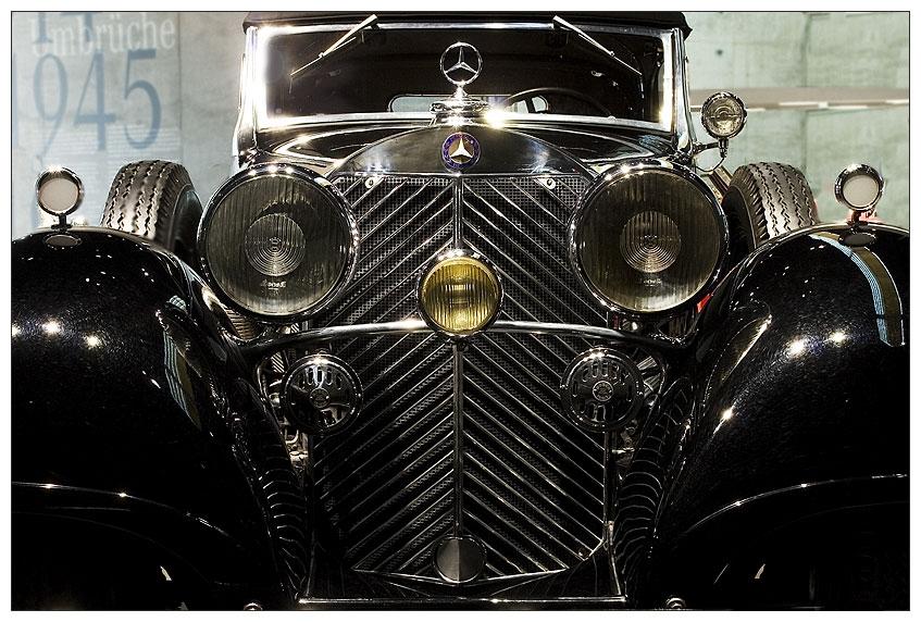 Mercedes_Benz_Museum_11