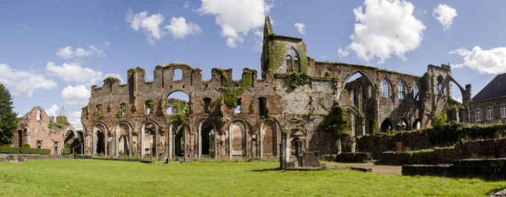 Abbaye d'Aulne Kreuzgang