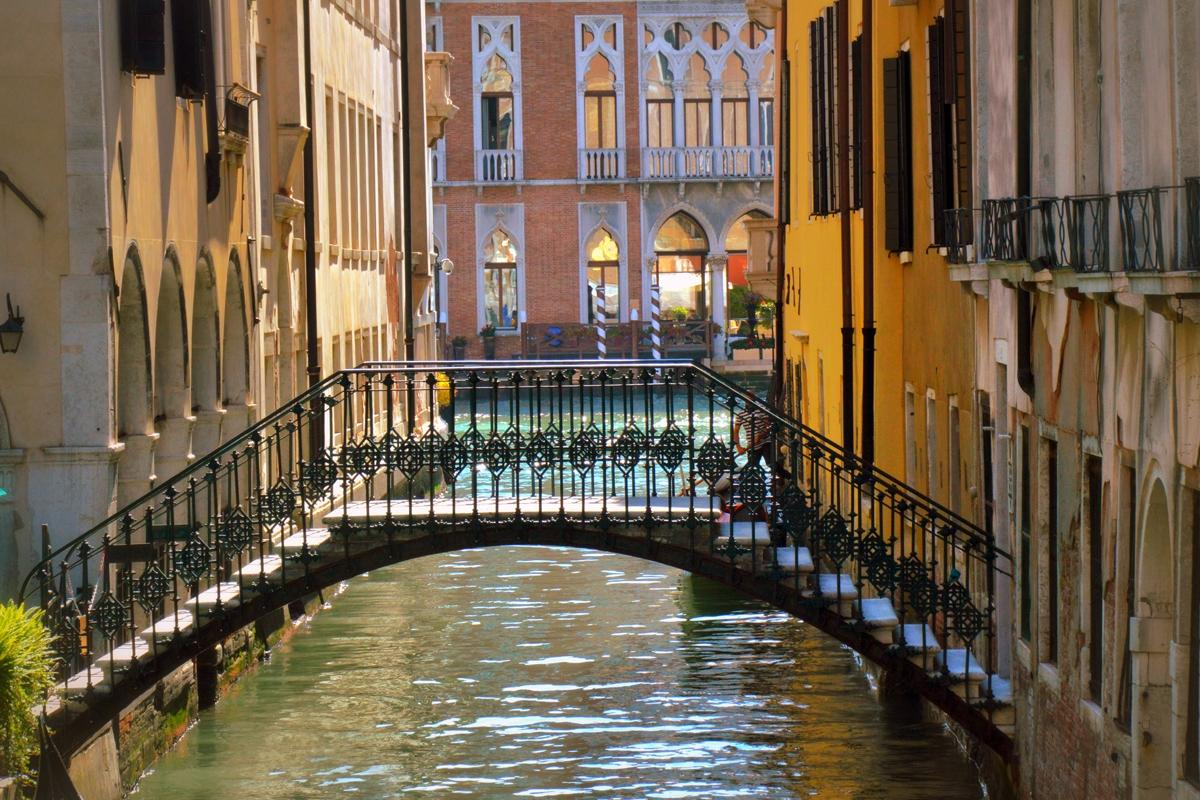 Kleine_Brücke_in_Venedig-Rozina_Dragomir